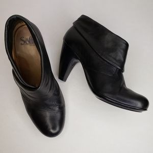 Sofft Black Leather Heeled Ankle Bootie
